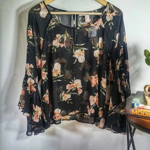 Forever 21 Floral Top Bell Sleeves XL